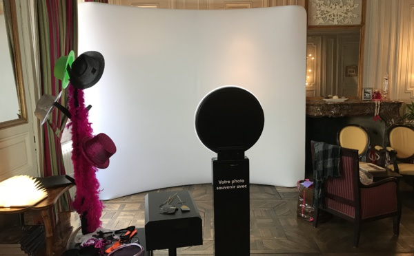 mobiphotobooth, borne de photos, photobooth, borne selfie à 289 € (location de matériel)